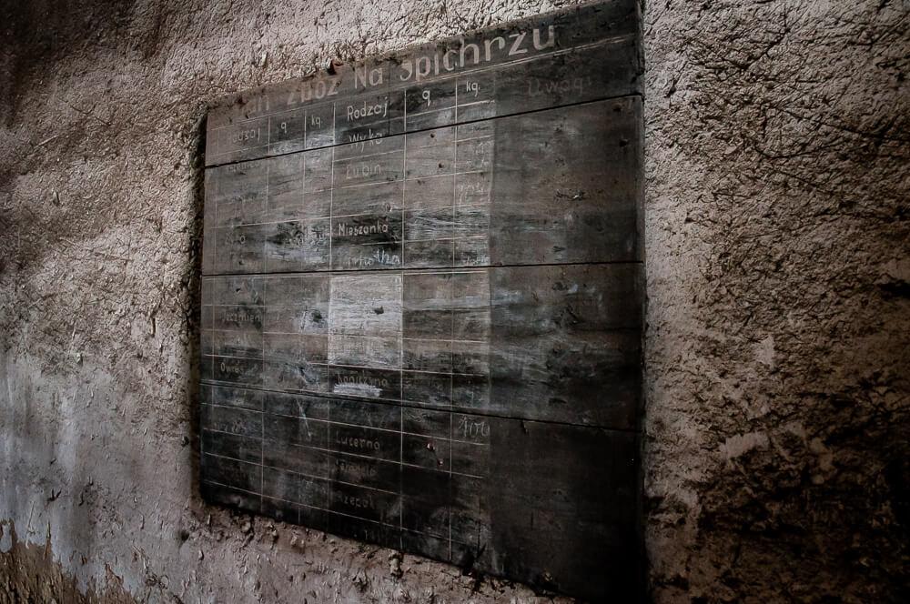 Gorzelnia Rolnicza w Łabiszynku - Tablic informacyjna o stanie zbóż na spichrzu