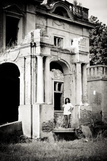 Ruiny pałacu rodziny Chrzanowskich w Unii