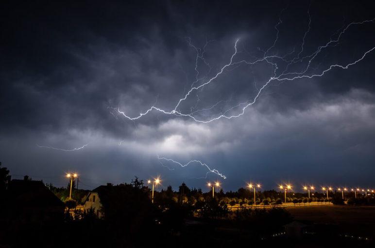 Burza nad Gnieznem - ulica Poznańska