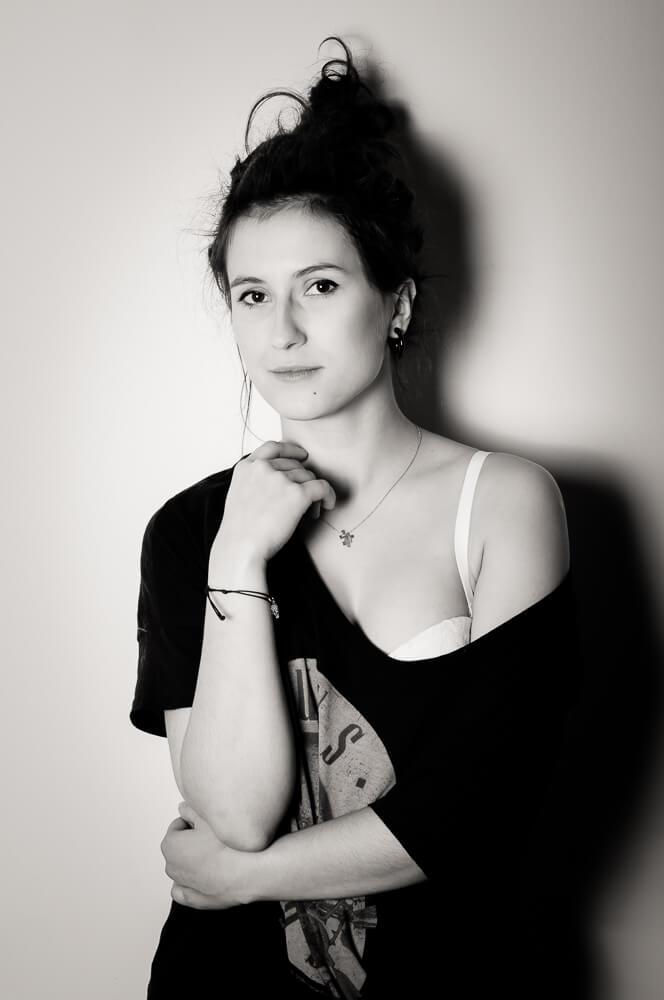 Czarno biała sesja fotograficzna Agnieszki