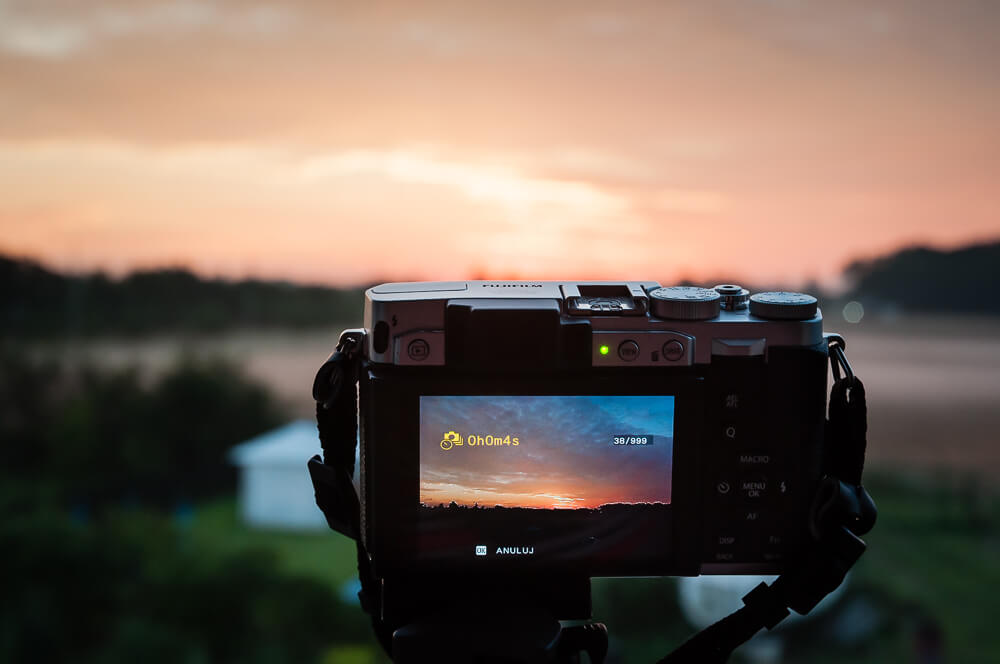 Wschód słońca nad Gnieznem i Fuji X30 w akcji