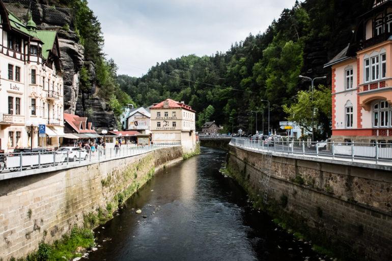 Hřensko - miejscowość w wąwozie