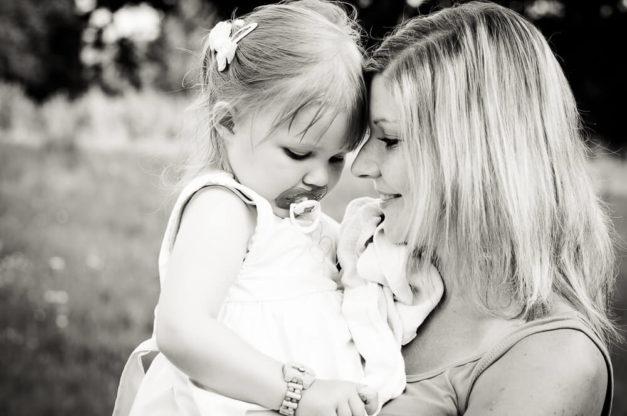 Mała modelka z mamą