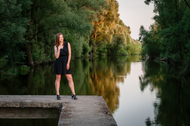 Sesja zdjęciowa nad jeziorem